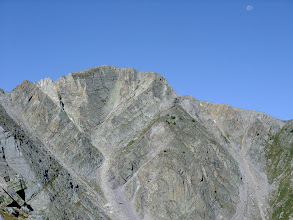 Photo: Middle Truchas Peak. There must be a large fault that bisects the peak - notice the rock layers meet at right angles in the middle.