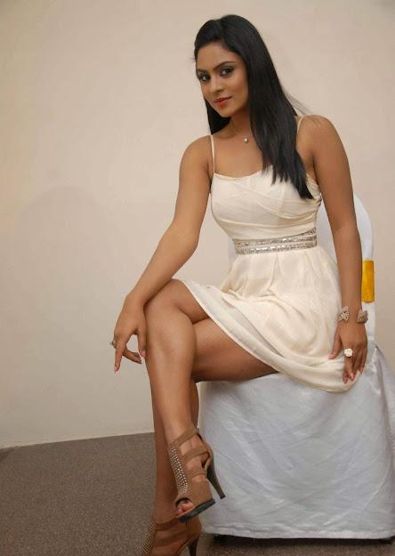 Deepika Das sandals, Deepika Das thunder, Deepika Das in white dress, Deepika Das Naagini hot