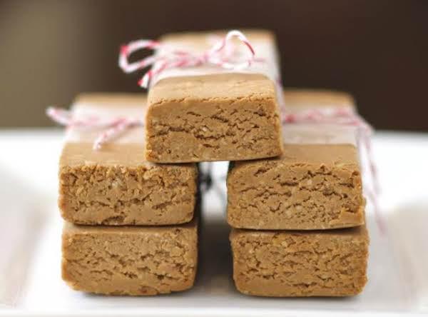 Peanut Butter Fudge Protein Bars Recipe
