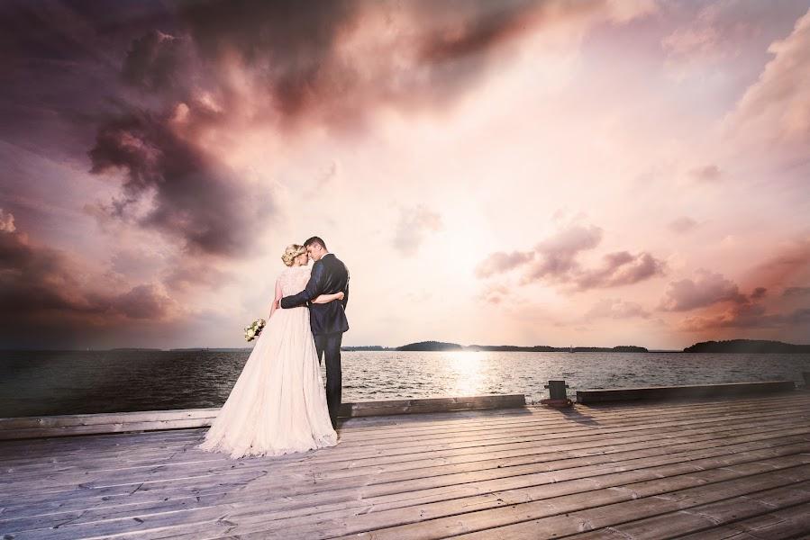 Wedding photographer Jere Satamo (jeresatamo). Photo of 25.09.2014
