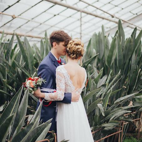 Wedding photographer Aleksandra Kapustina (aleksakapustina). Photo of 13.01.2018