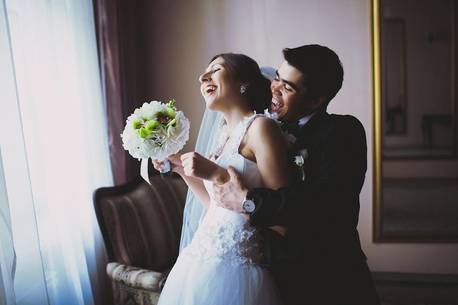 Wedding photographer Nazar Voyushin (NazarVoyushin). Photo of 10.03.2014