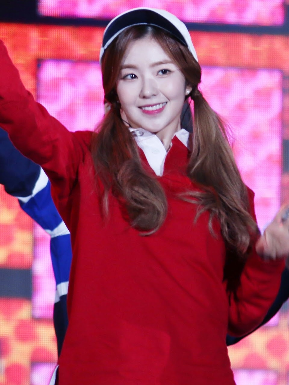 Irene_Bae_at_2015_Asia_Dream_Concert_in_October_31,_2015_(2)