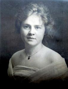 Raymon's mother, Leslie