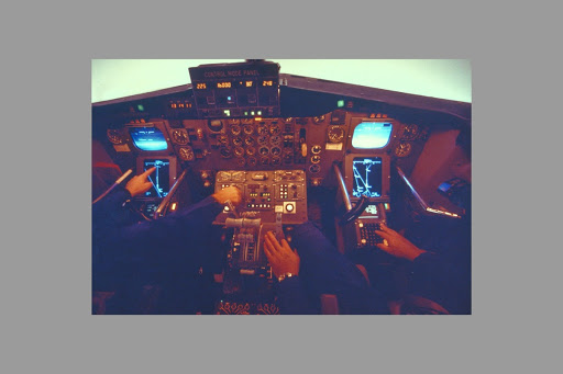 Boeing model 747 flight deck photo courtesy National Geographic.