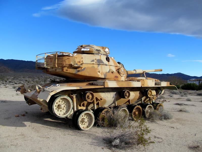 Photo: Tank at Chiriaco Summit