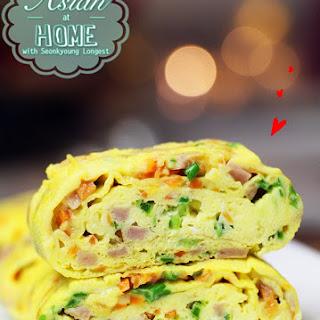 Gyeran Mari (Korean Egg Roll, 계란말이).
