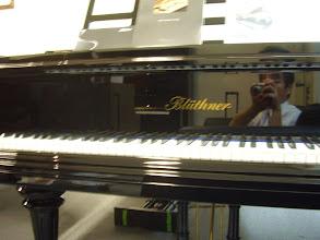 Photo: 横浜輸入ピアノショールーム  かっては世界一のピアノと評されていたブリュトナーのグランドピアノ