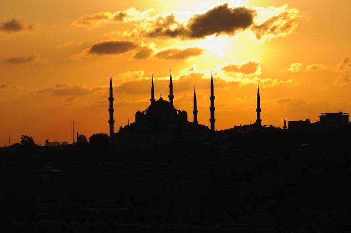 Tramonto sulla Moschea! di leonardo valeriano