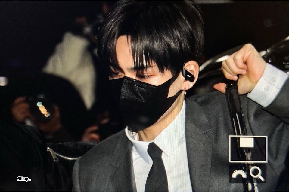 yoshi black hair