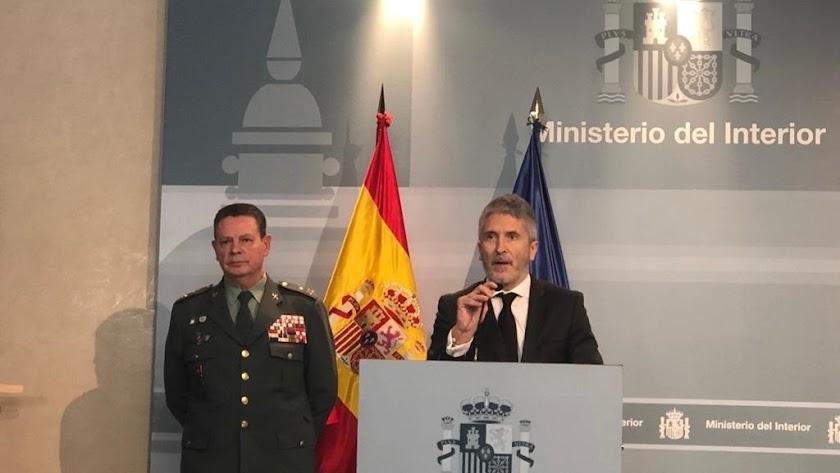 El ministro de Interior comparece con el teniente general Laurentino Ceña.