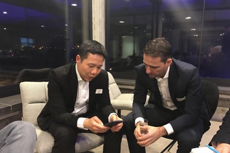 """Kortrijk-manager Ken Choo verrast: """"We gaan de staf tijd geven"""" en """"de video-analyse, dat doen wij"""""""