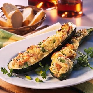 Gefüllte Zucchini aus dem Ofen
