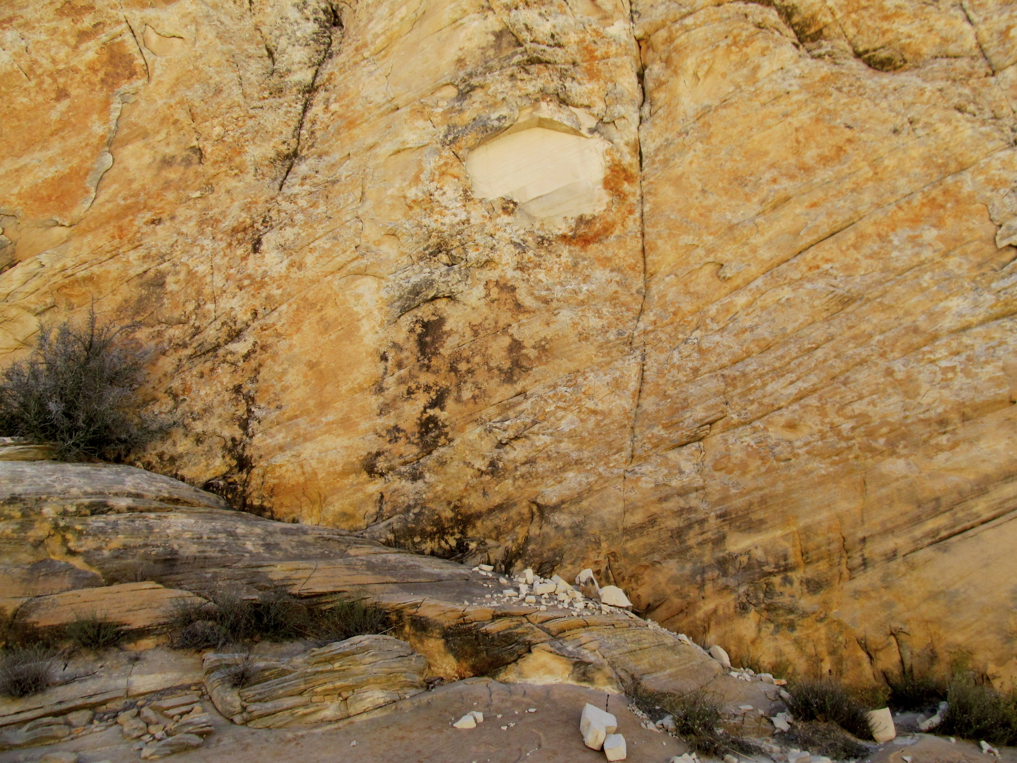 Photo: Tiny rockfall