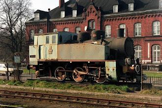 Photo: TKh49-5564 {Toruń Główny; 2002-03-27}