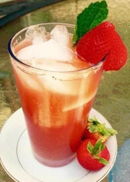Berry Mint Basil Iced Green Tea