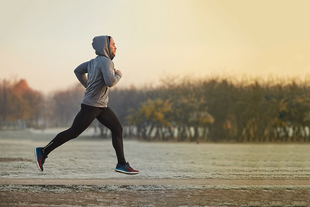 jogging-tips-for-beginners-push-your-chest-out_image