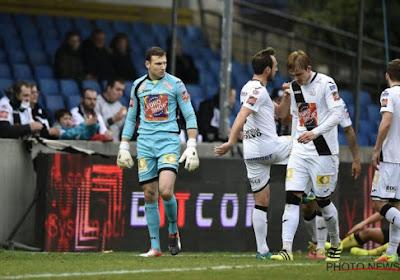 Jo Coppens, doelman bij Carl Zeiss Jena, scoorde met een uittrap