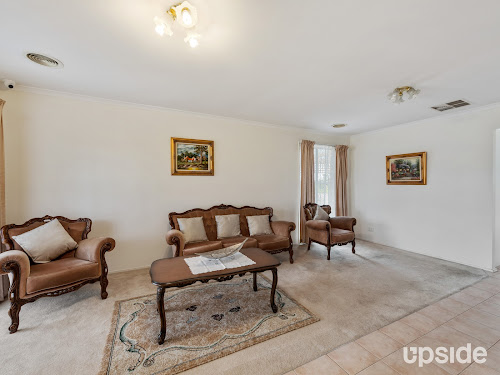 Photo of property at 5 Quail Way, Rowville 3178