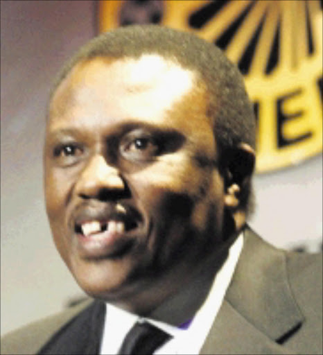 RALLYING CRY: LOC chairperson Irvin Khoza. Pic. Thembinkosi Dwayisa.  15/06/2004. © ST Orlando Pirates Boss Irvin Khoza at the Kaizer Chiefs Players Awards ceremony for 2003/2004 seasion at Vodaworld in Midrand 15/06/2004 Pic. Thembinkosi Dwayisa