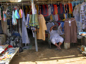 Photo: Markthändler in Dongola