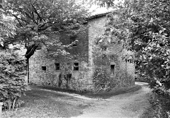 La vecchia casa nascosta. di LASER19