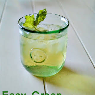 Easy Green Sun Tea.