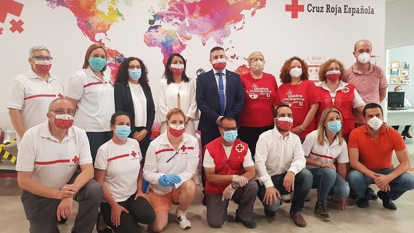 Bosquet ha visitado este viernes las instalaciones de la Cruz Roja en Almería.