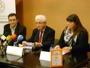 Photo: Presentación del Estatuto de Autonomía de Aragón en lectura fácil el 23 de febrero de 2011