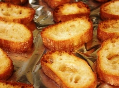 Use this with my http://www.justapinch.com/recipes/bread/bread-other-bread/garlic-parmesan-panetini.html?cpage=1#comment1379288 and Brie cheese.