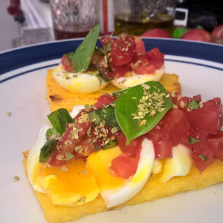 Polenta Breakfast Toast .