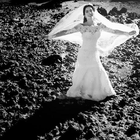 Wedding photographer Larissa Anholetti (anholetti). Photo of 17.02.2016