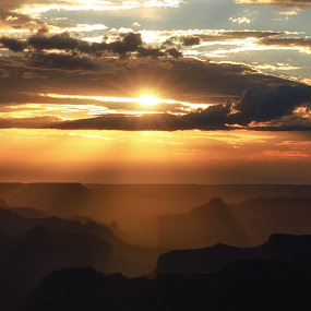 The Rays of the Grand Canyon by Bryan Snider - Landscapes Sunsets & Sunrises ( clouds, sunset, arizona, layers, national parks, canyon, landscapes, light, rays, sun, grand canyon )