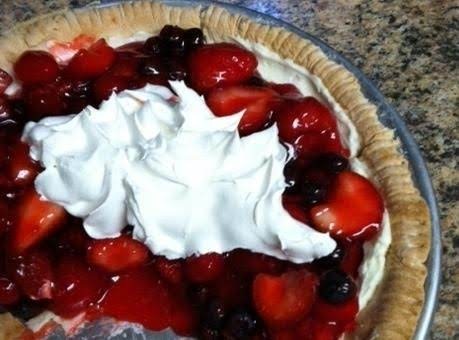 A Very Berry Red, White & Blue Cream Cheese Pie!