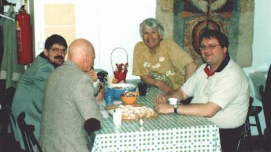 Photo: Harri Niskanen, Göran Ekström, johtokunnan jäsen Gerald Porter ja webmaster Ari Kiminki.