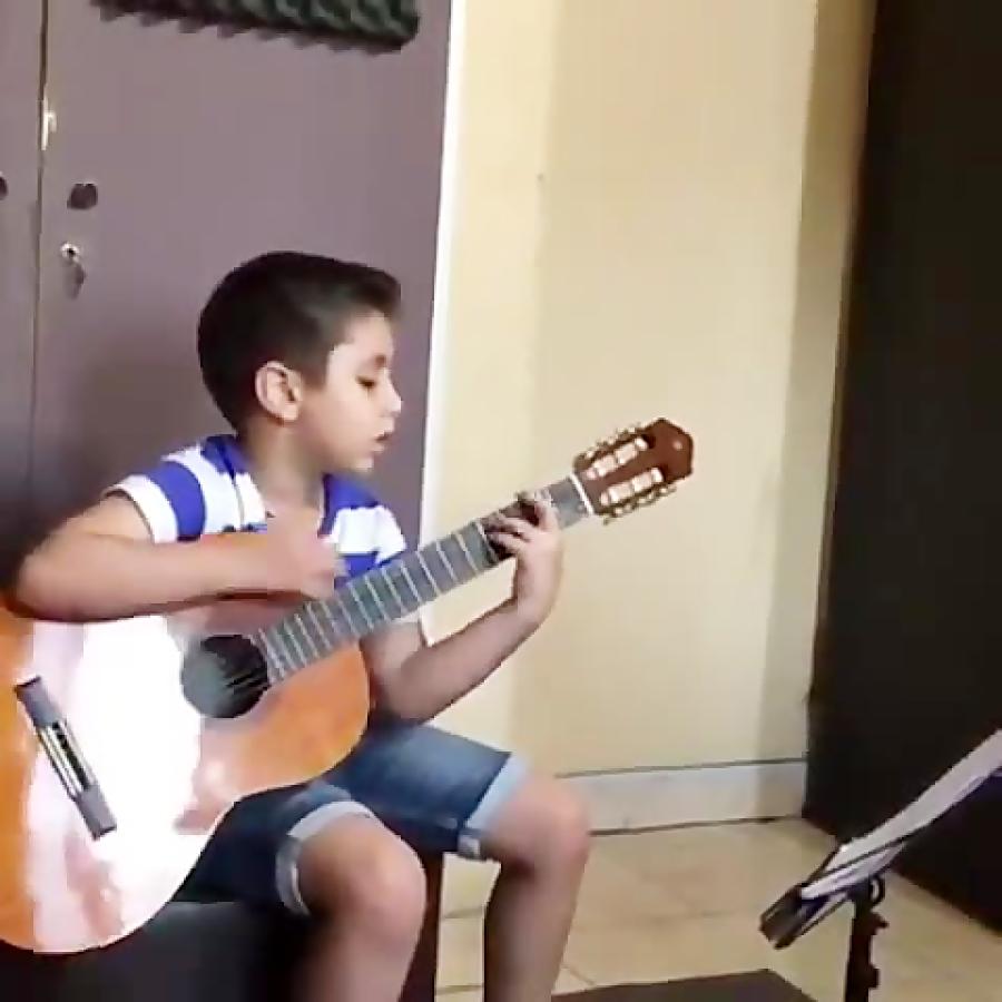 محمدرضا انارکی هنرجوی گیتار فرزین نیازخانی