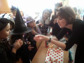 Photo: Teta Monika nás ponúkla slimáčikmi. Boli mňam!