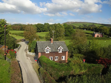 Charming Carno cottage
