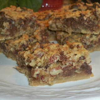 Chocolate Chip Macaroon Bars