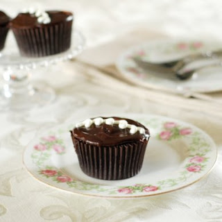 How to Make Homemade Hostess Cupcakes