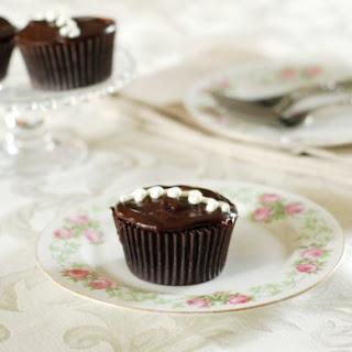 How to Make Homemade Hostess Cupcakes.