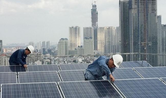 Hàng loạt dự án điện mặt trời mái nhà sắp bị hủy hợp đồng, tách đấu nối?