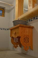 Photo: Szafka góralska pod umywalkę