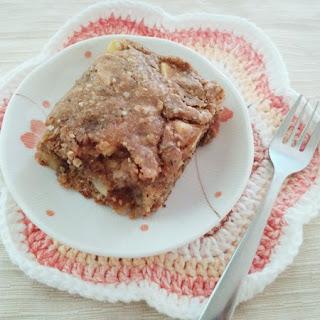 Healthy Superfood Breakfast Cake (vegan)