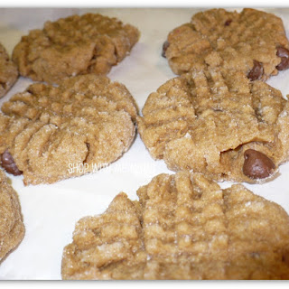 Easy Peanut Butter And Chocolate Chip Cookies