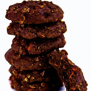 Goji Berry & Chocolate Cookies.