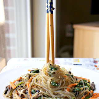 VEGAN Korean Glass Noodle Stir fry – Japchae (Paleo, GF, Vegan, Nut-Free)