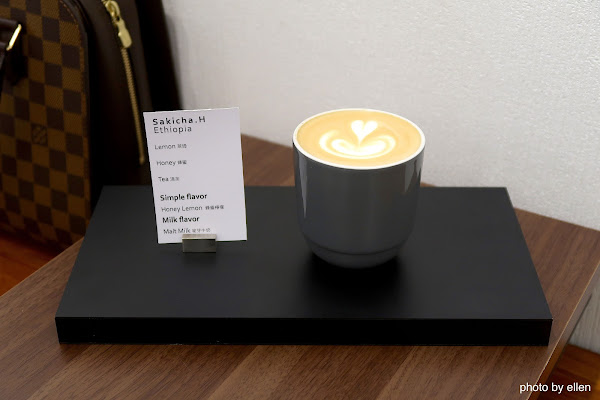 Instil Coffee Dimension 隱密的內用座位