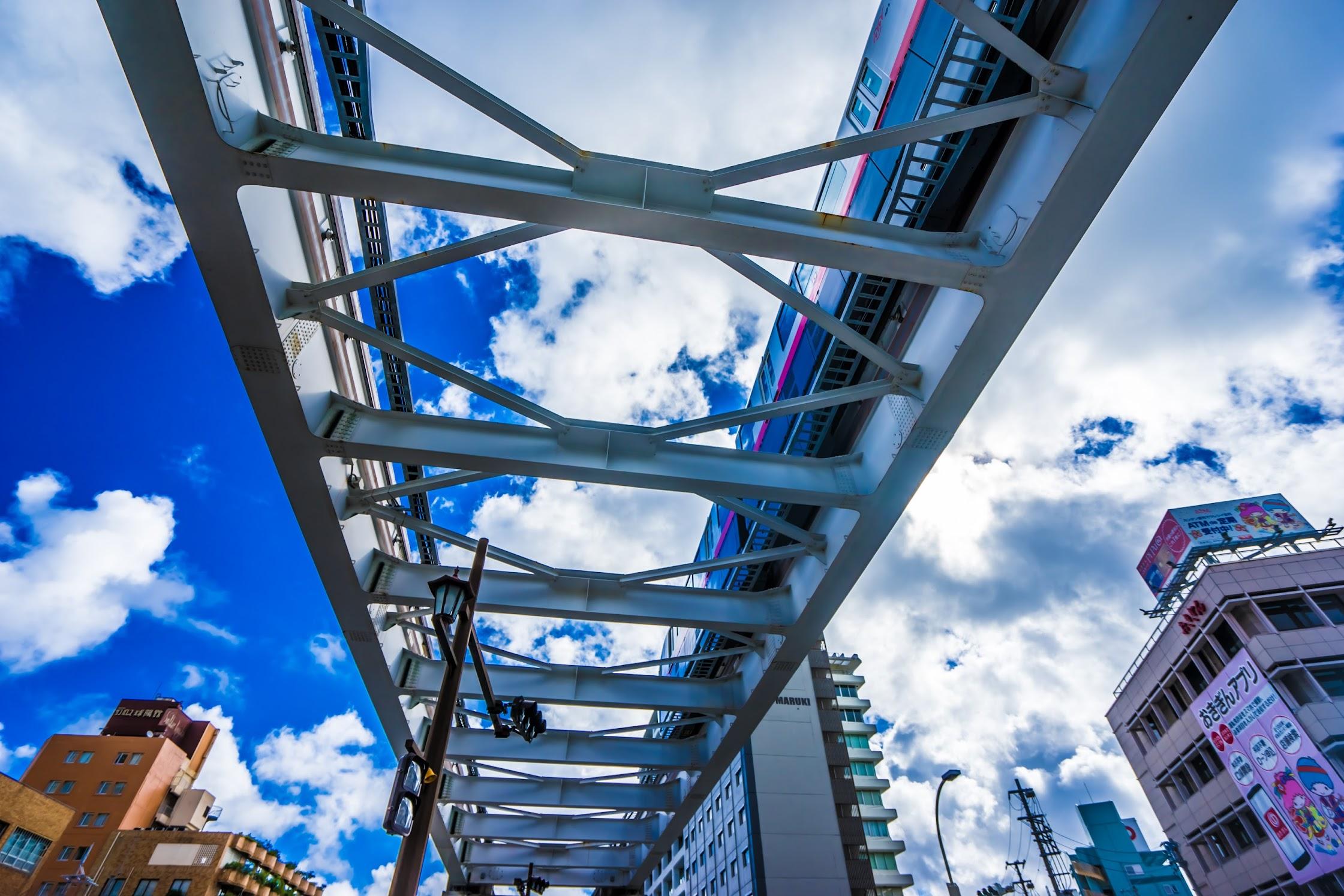 Naha monorail3