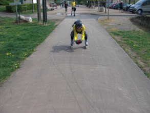 Photo: p...! pas facile de chier en roulant! Et en plus le PQ est trempé!